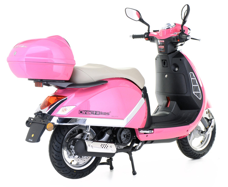 125cc Classic Moped *August OFFER! Free Top Box Worth £49.99 *